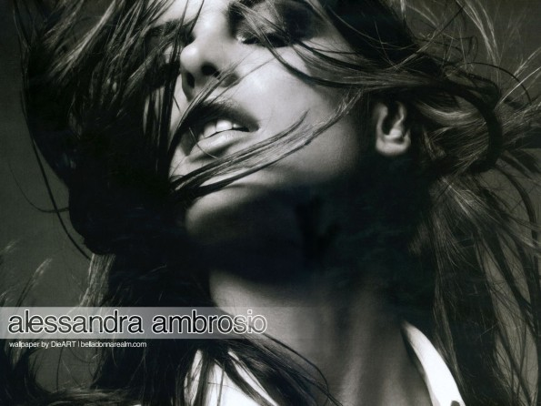 Alessandra Ambrosio-face-601